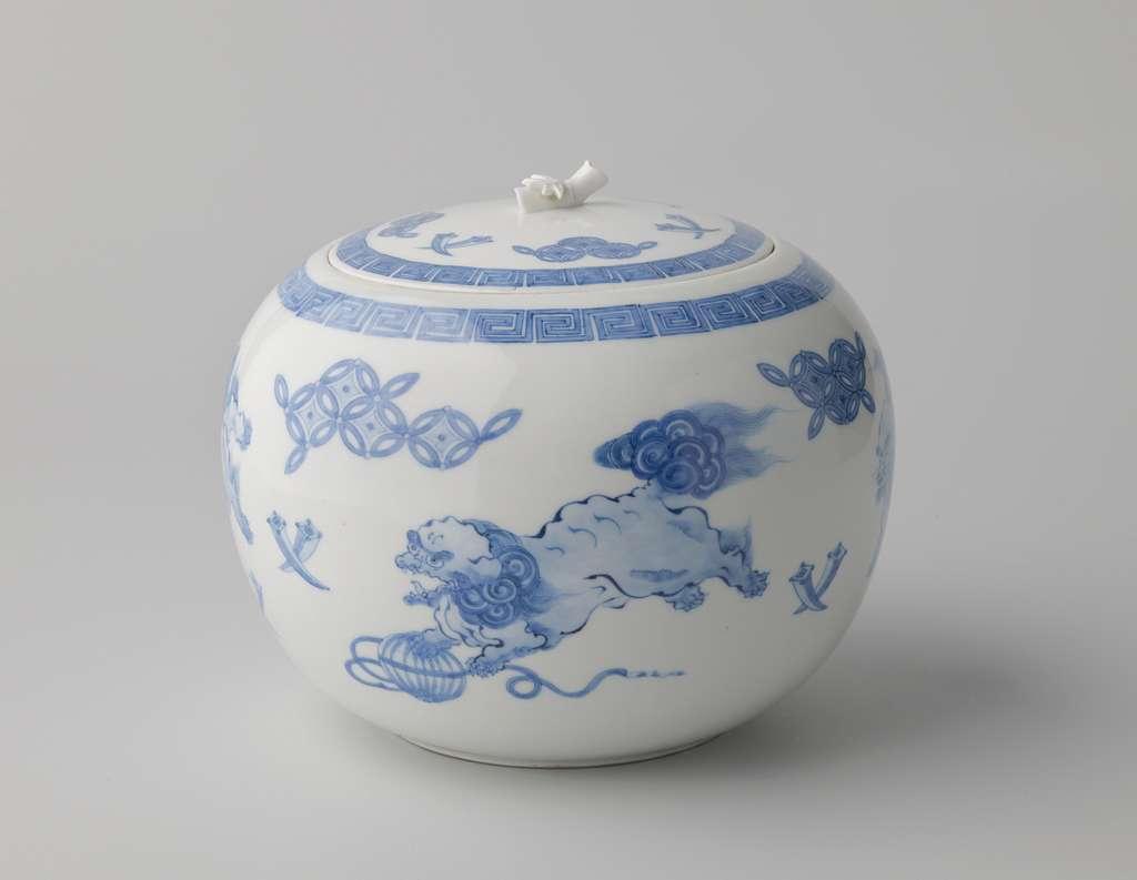 Round covered jar with shishi and auspicious symbols