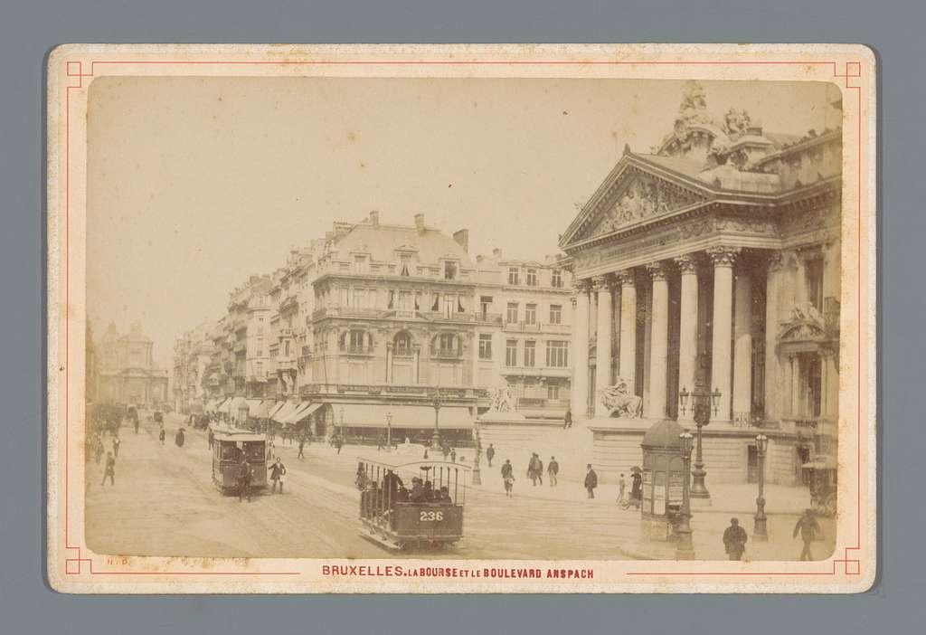 Gezicht op het beursgebouw van Brussel