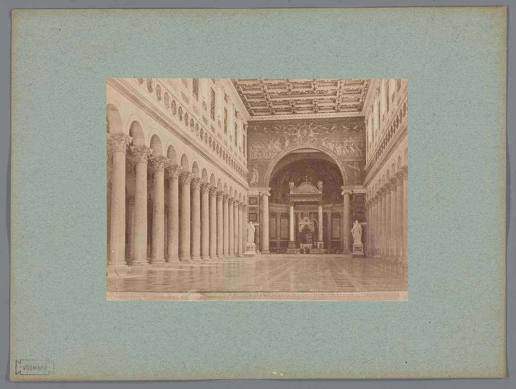 Interieur van de S. Paolo fuori le Mura, Rome