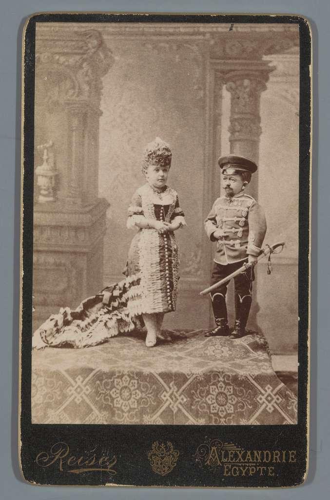 Portret van een onbekende kleine man en een onbekende kleine vrouw