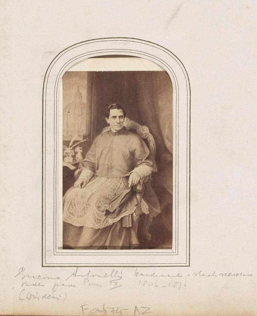Fotoreproductie van (vermoedelijk) een geschilderd portret van Giacomo Antonelli, kardinaal-staatssecretaris