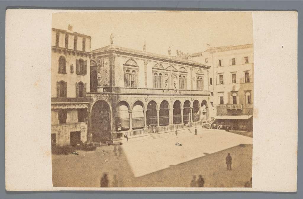 Loggia del Consiglio aan het Piazza dei Signori, Verona