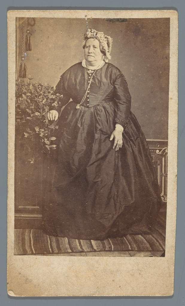 Portret van een onbekende oude vrouw
