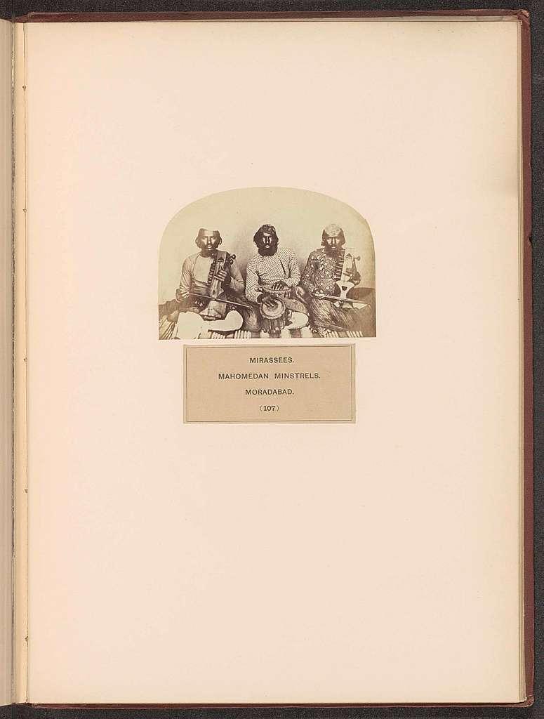 Portret van drie onbekende minstrelen uit Moradabad