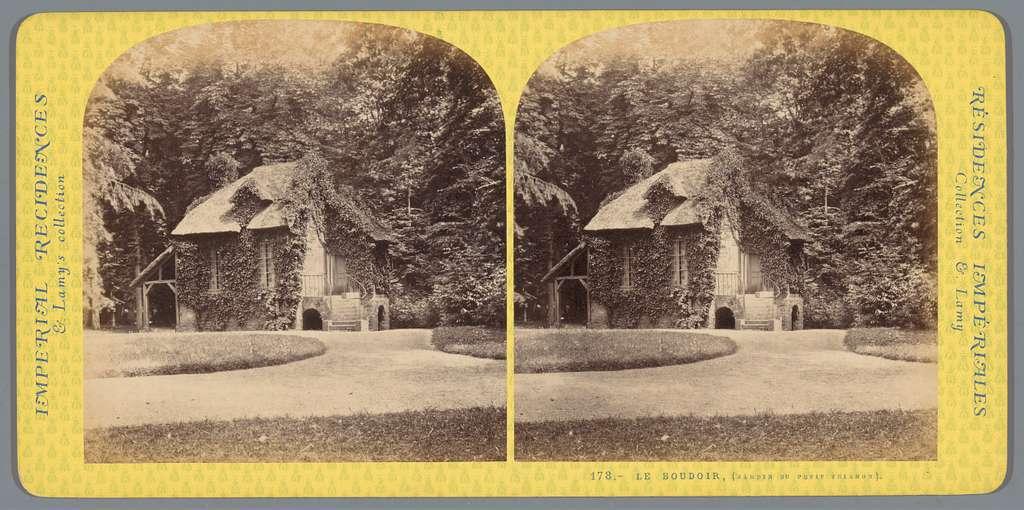 Gezicht op Le Boudoir in Le Hameau de la Reine bij het Petit Trianon
