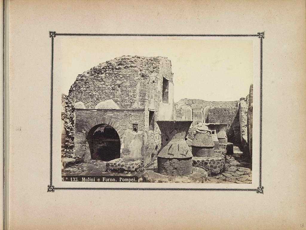 Restanten van molens en een oven in Pompeï