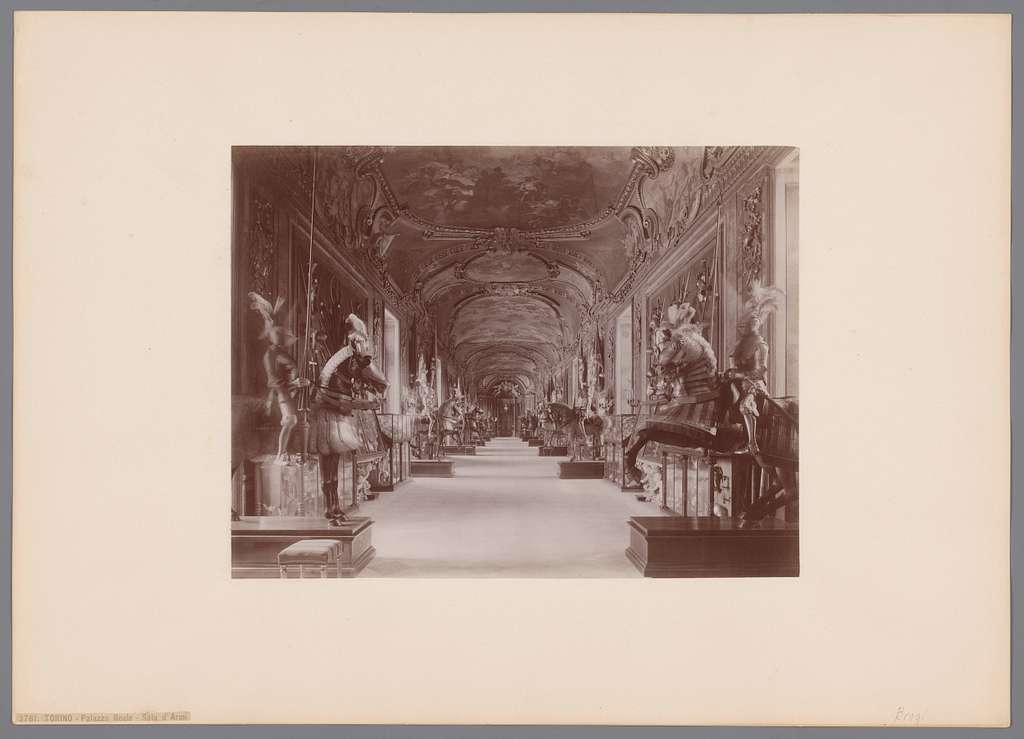 Wapenzaal (Sala d'Armi) in het Palazzo Realo