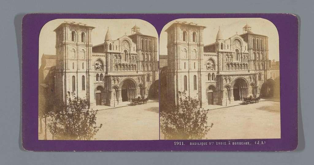 Voorgevel van de Basilique Sainte-Croix te Bordeaux