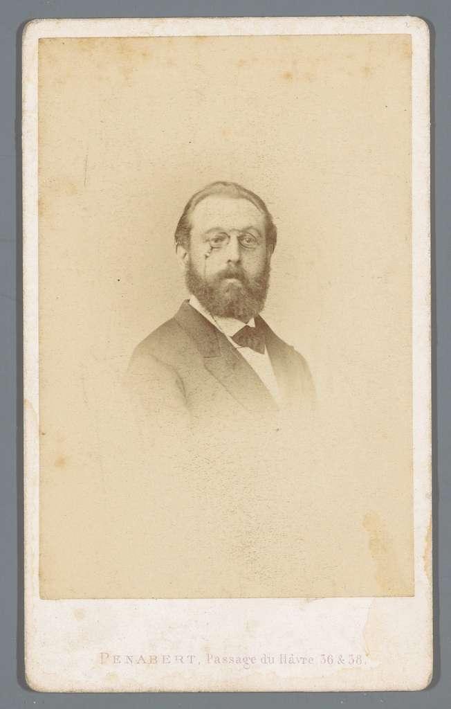 Portret van een onbekende man met pince-nez