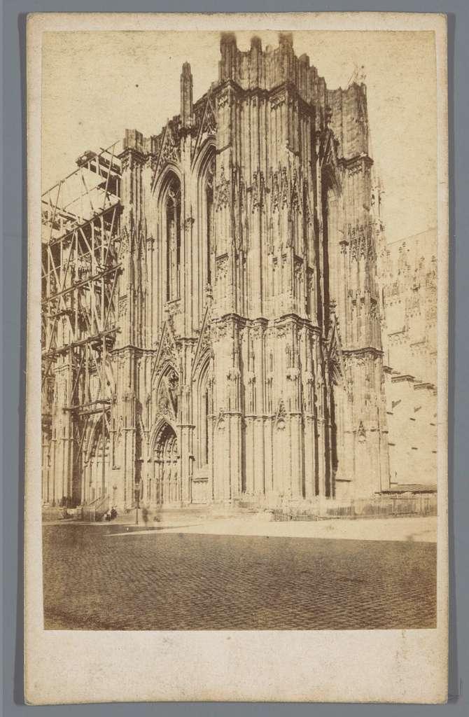 Torens van de Dom van Keulen in aanbouw