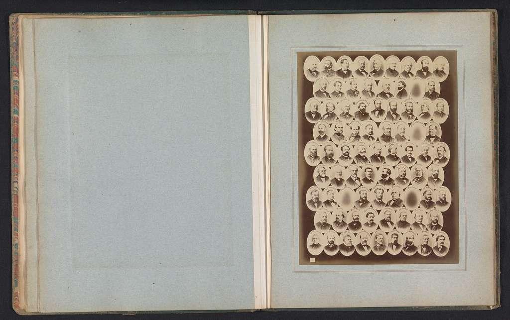 Samengesteld groepsportret van leden van de Assembée Nationale van 1874