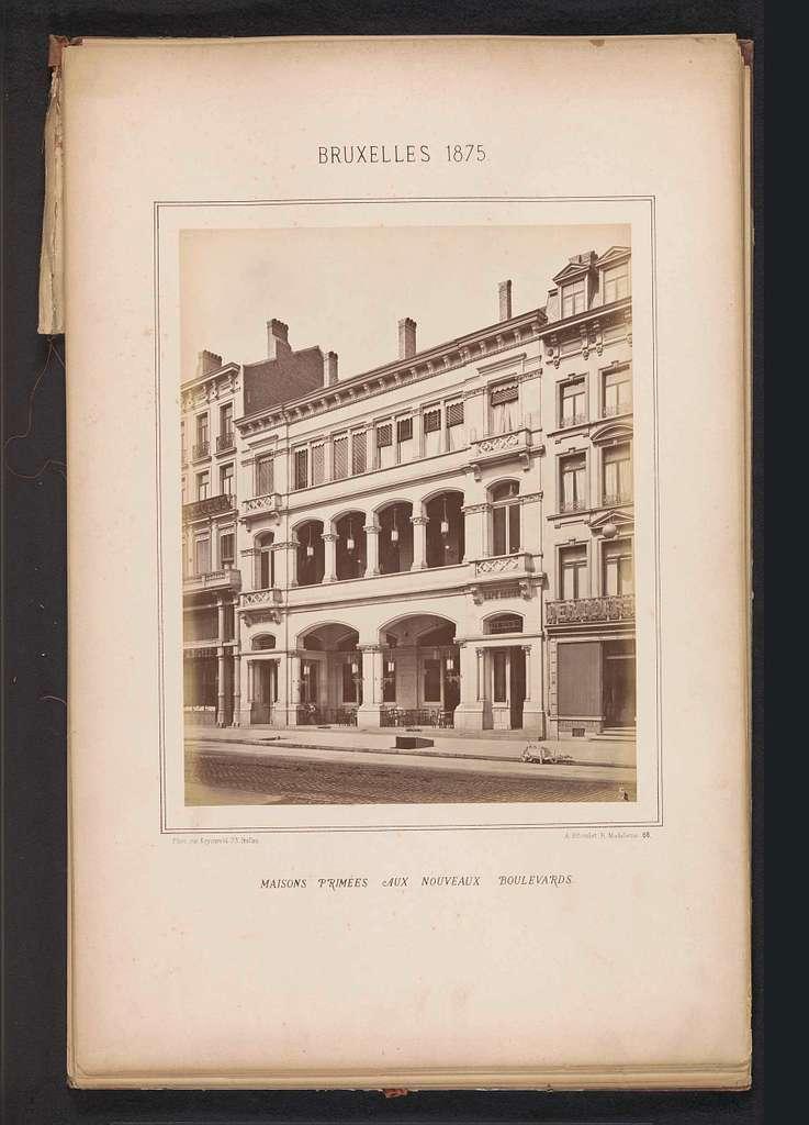 Exterieur van het gebouw aan Boulevard Central 3 te Brussel