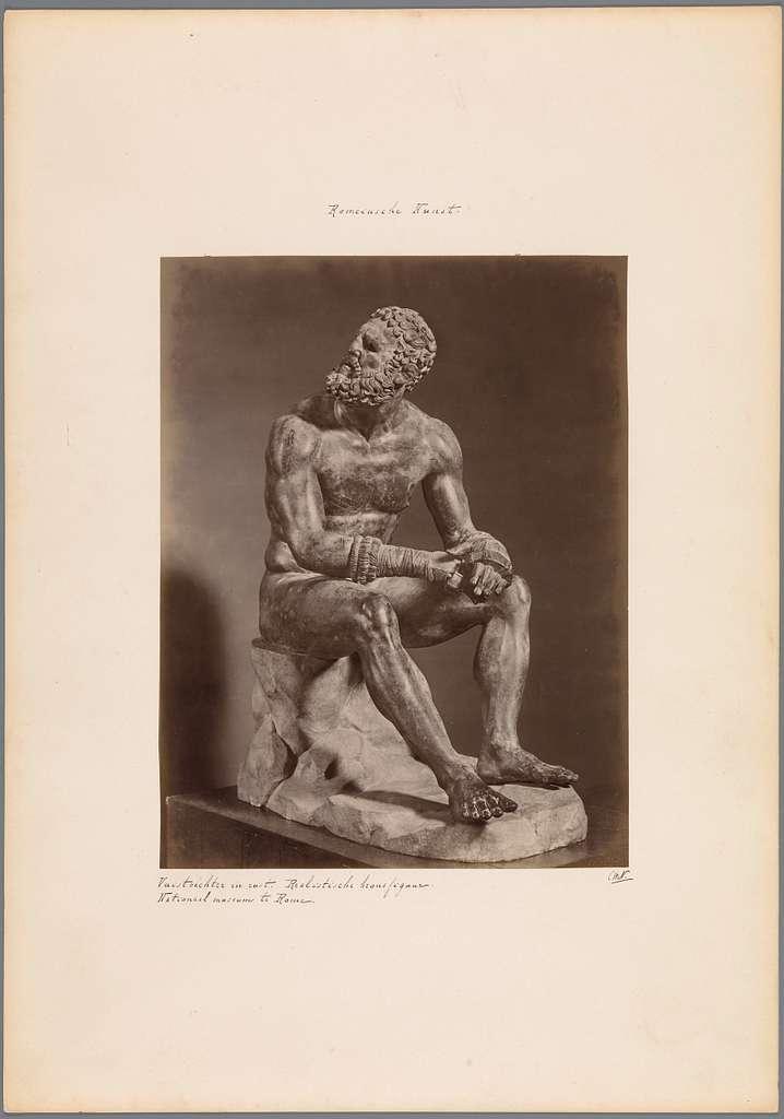 Sculptuur van een rustende vuistvechter