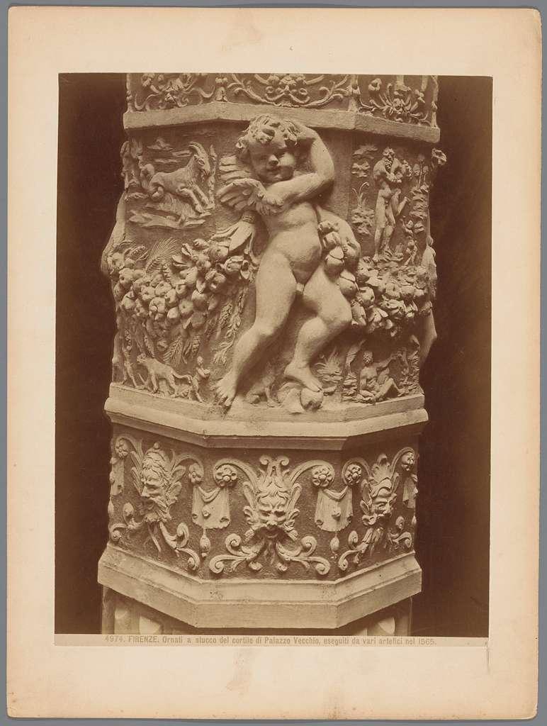 Stucwerk van de binnenplaats van het Palazzo Vecchio te Florence