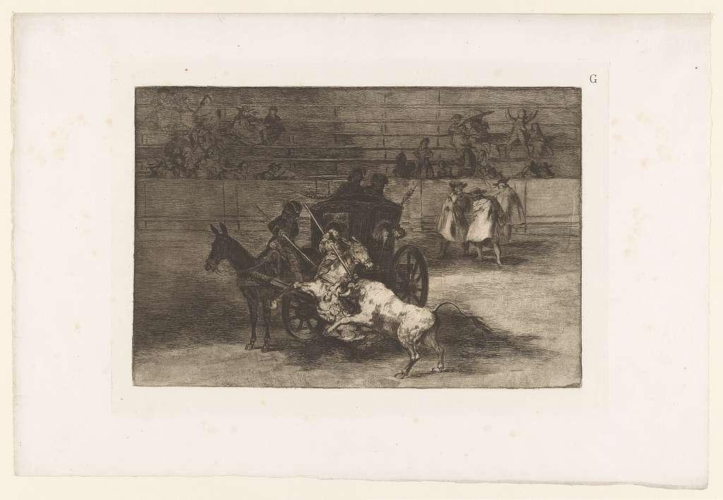 Mannen vallen een stier aan vanaf een rijtuig