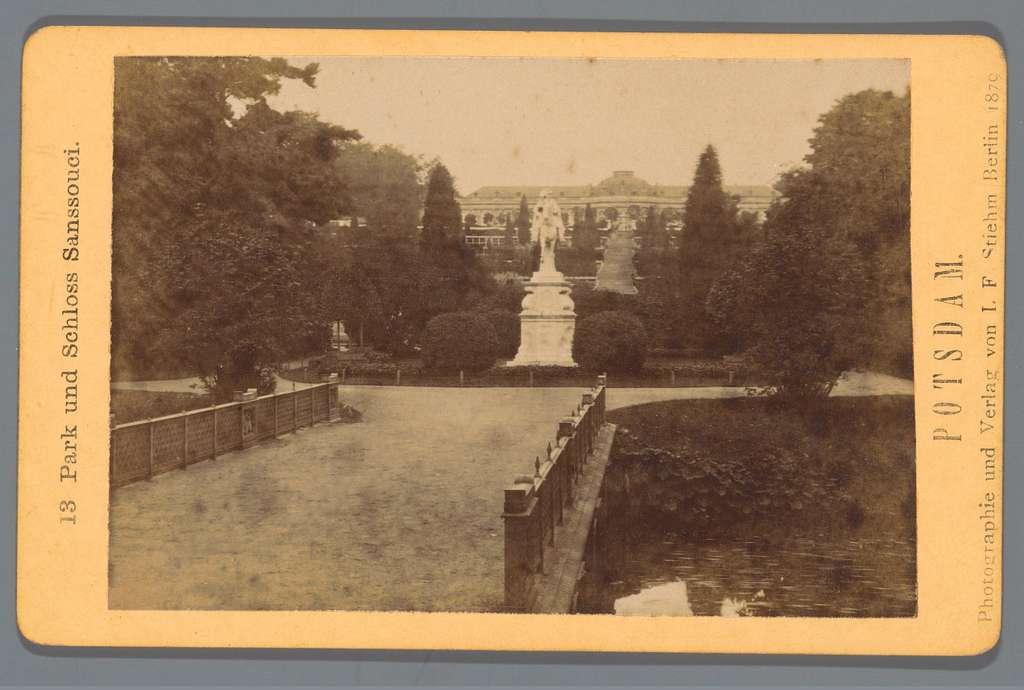 Park Sanssouci met ruiterstandbeeld, Potsdam