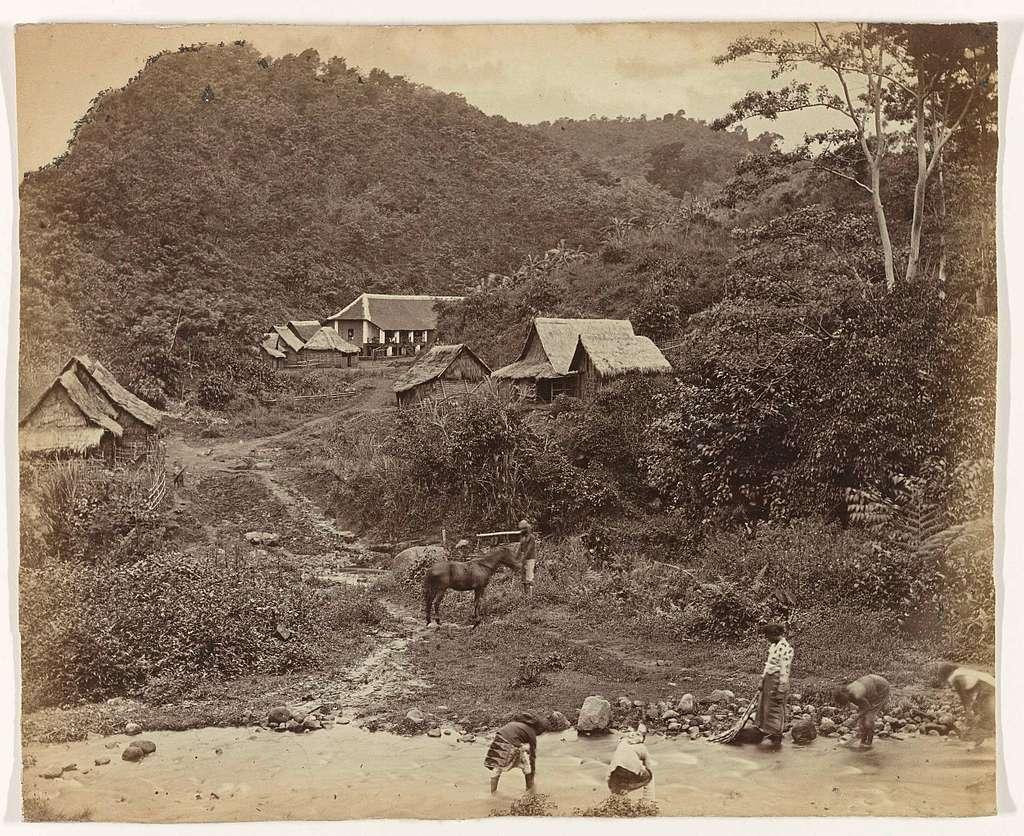 Kawi gebergte 8820 vt (hoogste top Boedak / Grens Passe Kedirie / Telekoon bij Batoe / Koffe land Malang)