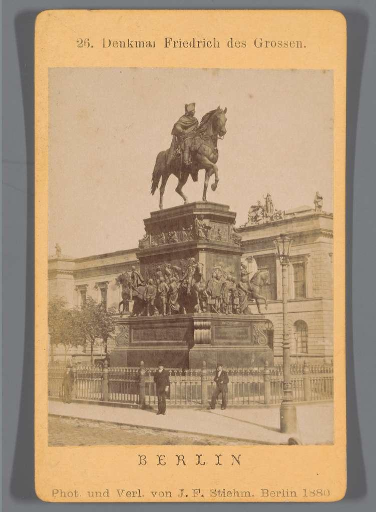 Ruiterstandbeeld van Frederik de Grote, Unter den Linden, Berlijn