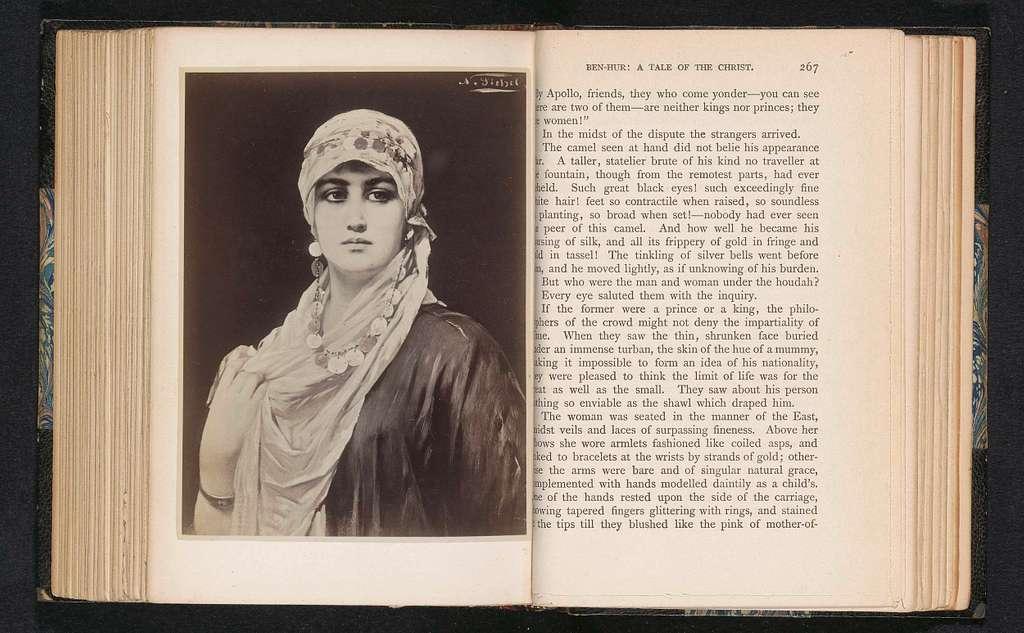 Fotoreproductie van een schilderij, voorstellende een portret van een onbekende vrouw met een sluier