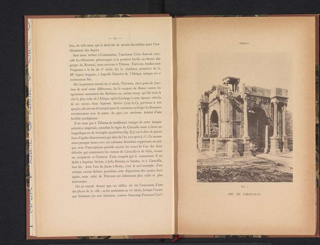 Gezicht op de Boog van Caracalla in Tébessa