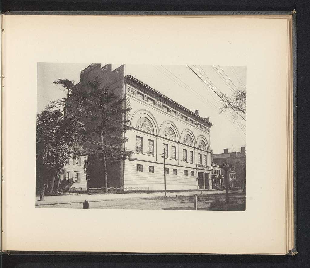 Exterieur van het gymnasium van Yale University te New Haven
