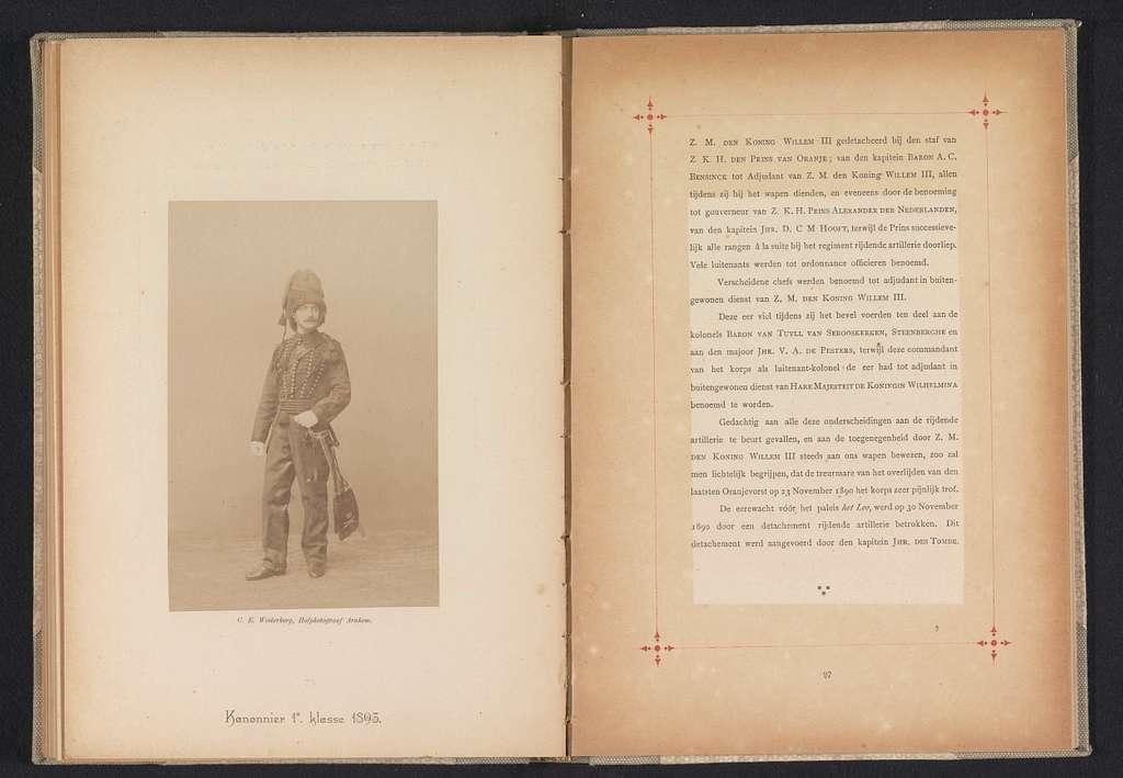 Portret van een onbekende man in het uniform van een kanonnier van het Korps Rijdende Artillerie