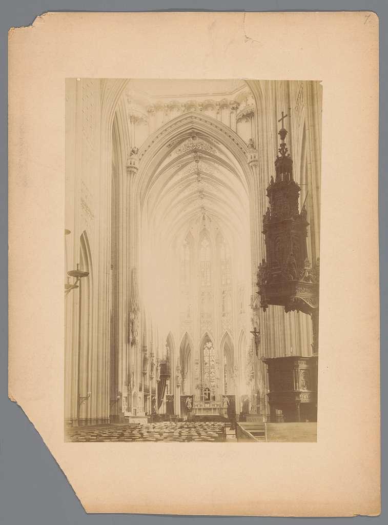Exterieur van een rooms-katholieke kerk in Nederland
