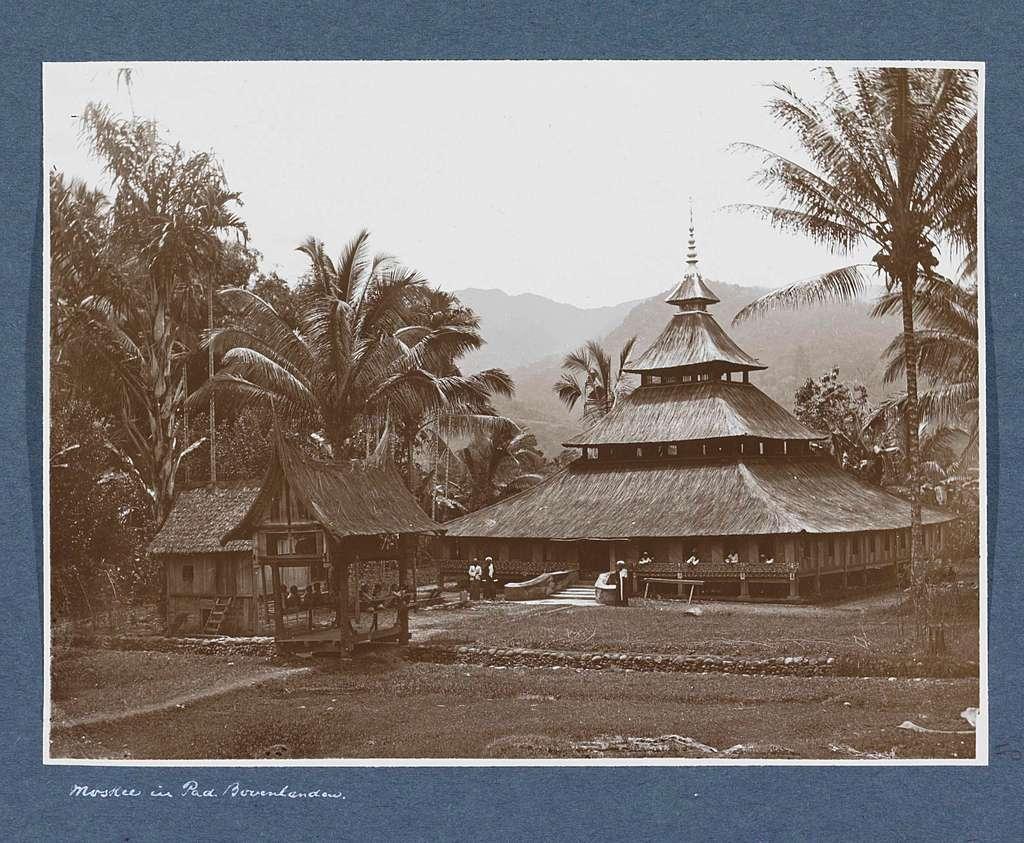 Moskee in de Padangse Bovenlanden op Sumatra