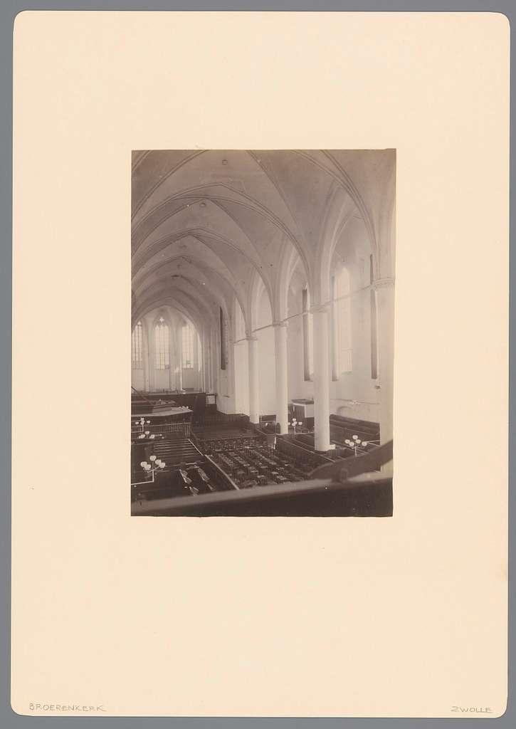 Interieur van de Broerenkerk te Zwolle